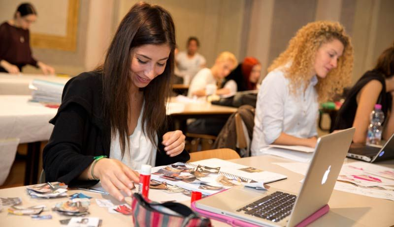 SUMMER COURSE IN FASHION DESIGN
