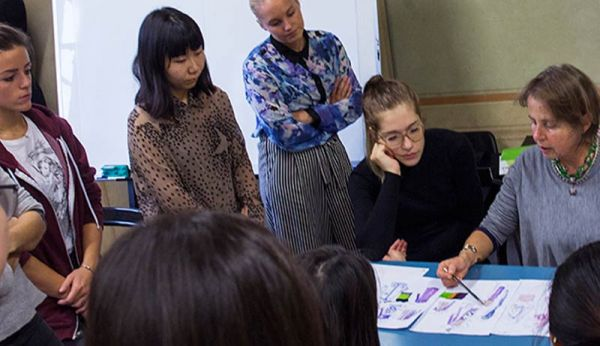 ONE-YEAR COURSE IN FASHION DESIGN