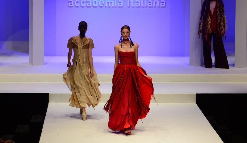 Caterina In Bangkok Accademia Italiana